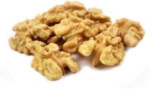 Почистени орехи
